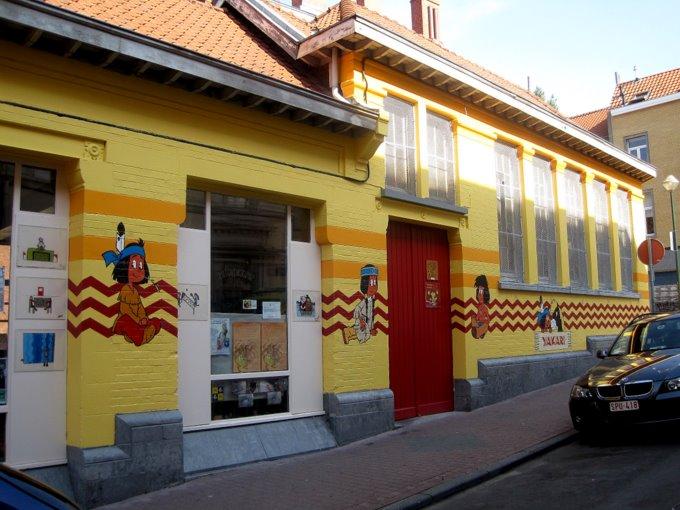 Les parcours BD de Bruxelles, Laeken et Anvers - Page 5 Ya10