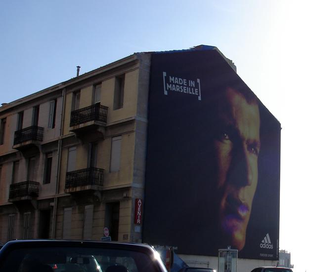 STREET VIEW : les fresques murales en France - Page 3 Zidane10