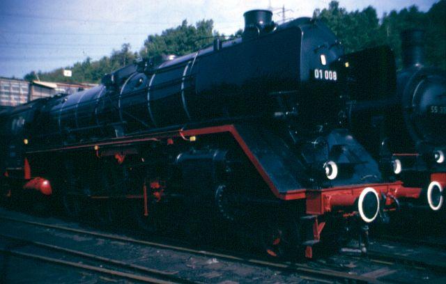 Zwei Pazifics der deutschen Bahnen: BR 01 und 03 01_00810