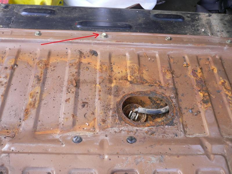 [Tuto] Dépose du réservoir d'essence P1060215