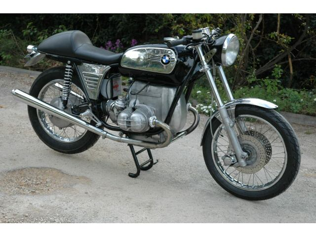 C'est ici qu'on met les bien molles....BMW Café Racer - Page 4 0c_410