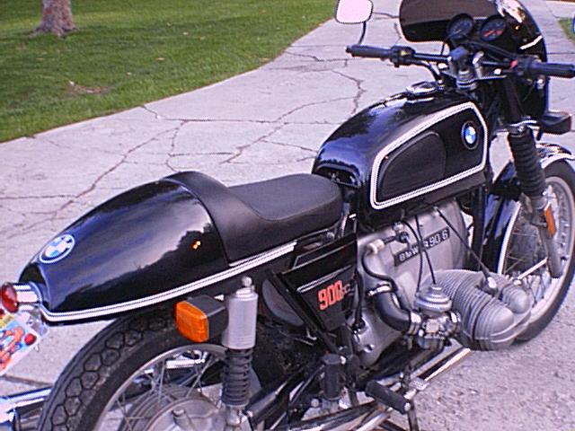 C'est ici qu'on met les bien molles....BMW Café Racer - Page 4 110