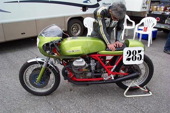 Guzzi... juste l'essentiel des Café Racer - Page 2 285_210