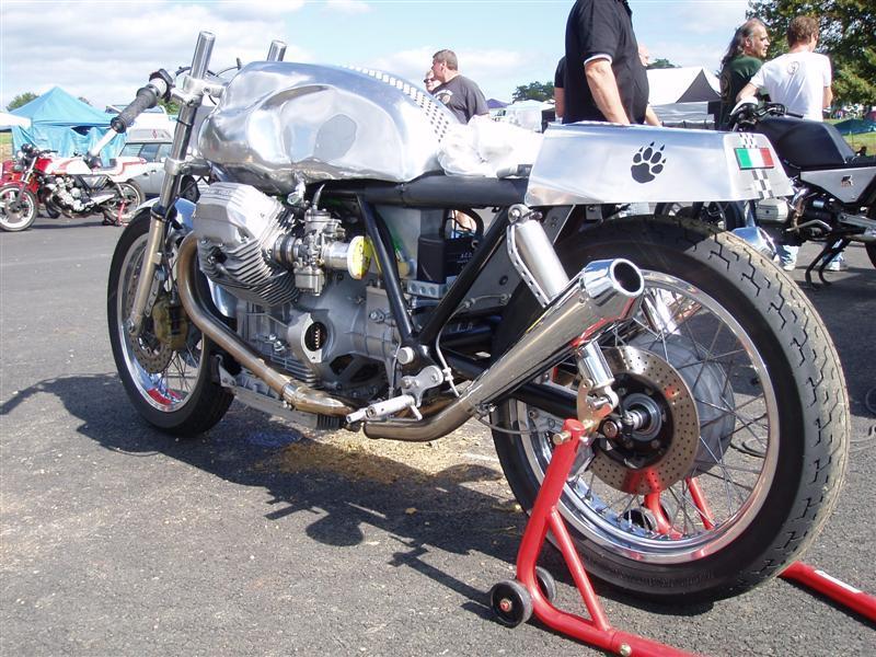 Guzzi... juste l'essentiel des Café Racer - Page 3 733afa11