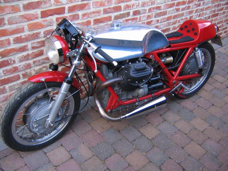 Guzzi... juste l'essentiel des Café Racer - Page 3 81006710