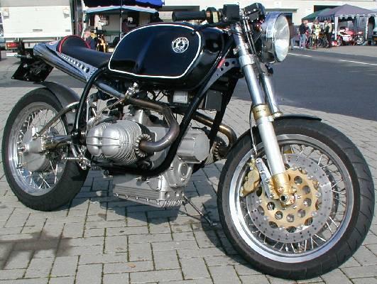 C'est ici qu'on met les bien molles....BMW Café Racer Ace_ku10