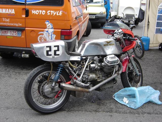 Guzzi... juste l'essentiel des Café Racer - Page 4 Bikers11