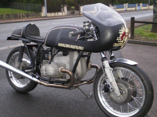 C'est ici qu'on met les bien molles....BMW Café Racer Imgp1510