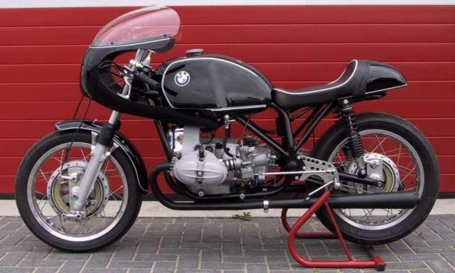 C'est ici qu'on met les bien molles....BMW Café Racer Magnif10