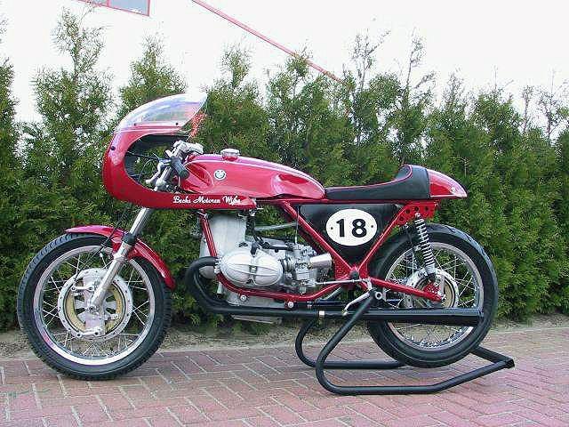 C'est ici qu'on met les bien molles....BMW Café Racer Pictur10