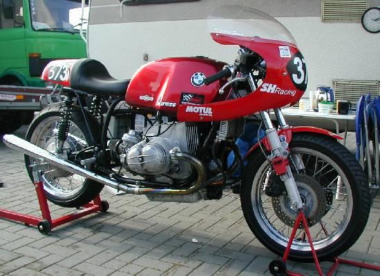 C'est ici qu'on met les bien molles....BMW Café Racer Schlot10