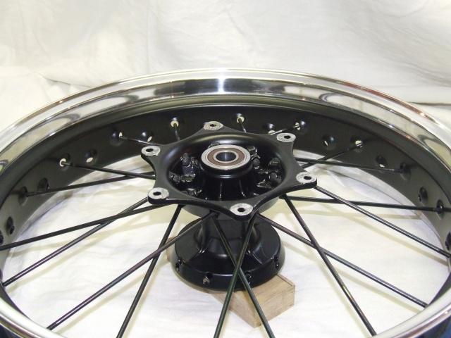 Photos roues à rayons noires Dscf4511
