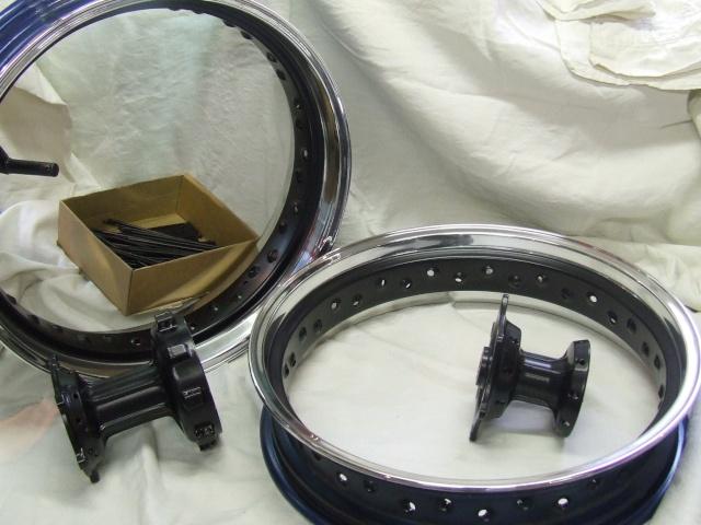 Photos roues à rayons noires Dscf4512