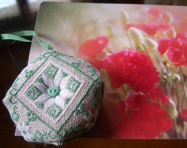 Photos échange biscornu  (envoi 3 mai au + tard) Decris10