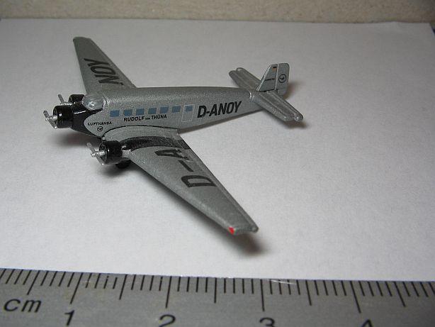 Ju 52 Fertigmodell in 1:500 Fj110