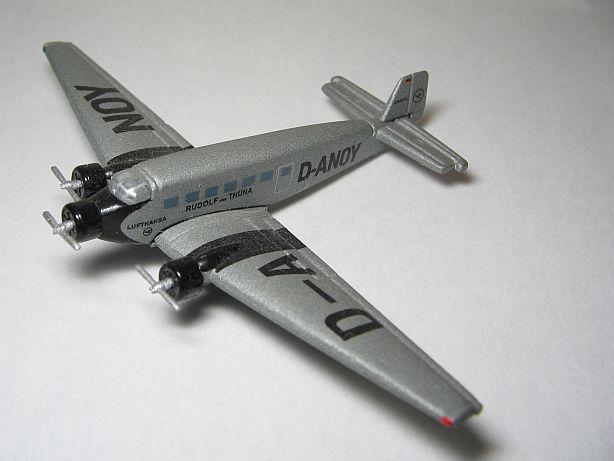 Ju 52 Fertigmodell in 1:500 Fj310
