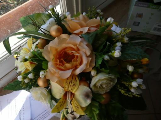 confection d'un bouquet de mariée P1020517