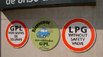 Fin des panneaux d'interdiction pour les GPL 01520011