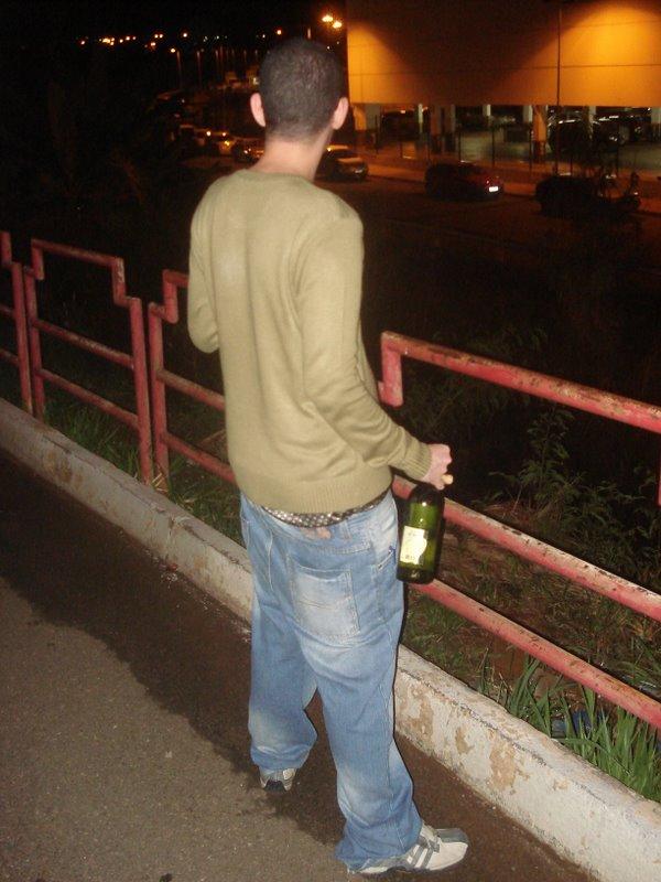 Razão pela qual não se deve misturar cerveja com vinho!!! Crip10