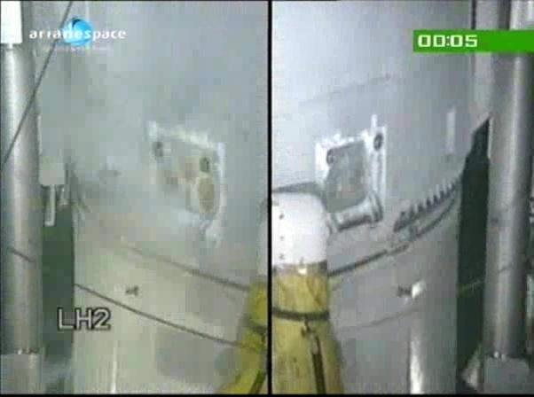 Ariane 5 V199 (Hispasat-1E + Koreasat 6) - 28.12.2010 - Page 3 Vlcsn114