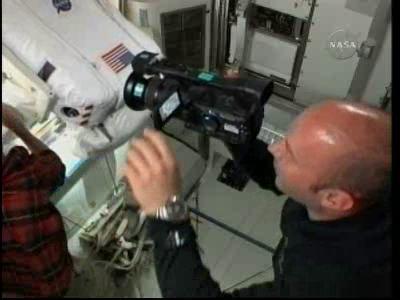 [STS-132] Atlantis : EVA 2, Steve Bowen et Mike Good. - Page 2 Vlcsn233