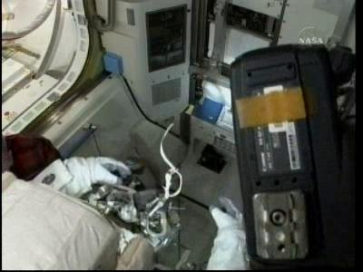 [STS-132] Atlantis : EVA 2, Steve Bowen et Mike Good. - Page 2 Vlcsn239