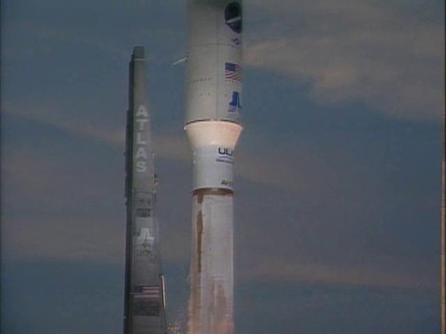 lancement Atlas V et retour sur terre X-37B (22/04/2010-03/12/2010) - Page 8 Vlcsna19