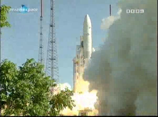 Ariane 5 ECA V198 / Hylas 1 + Intelsat 17 (26/11/2010) - Page 2 Vlcsna90