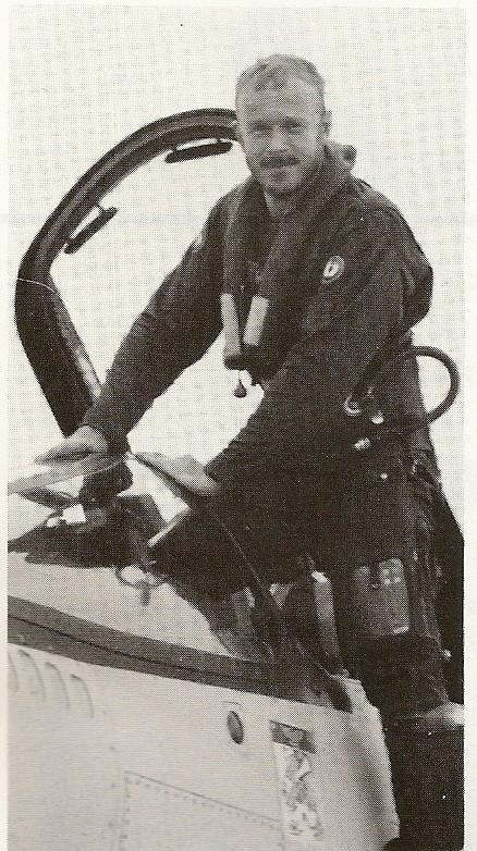 [Aéronavale divers] UNE PENSÉE POUR LES CRUSADERS - Page 3 Descen10