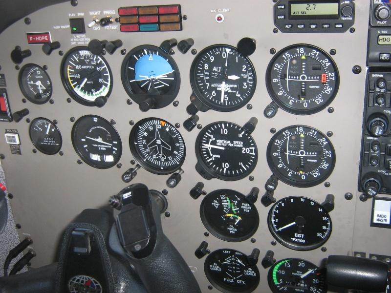 Les vols de la mascotte - Page 4 Img_0010