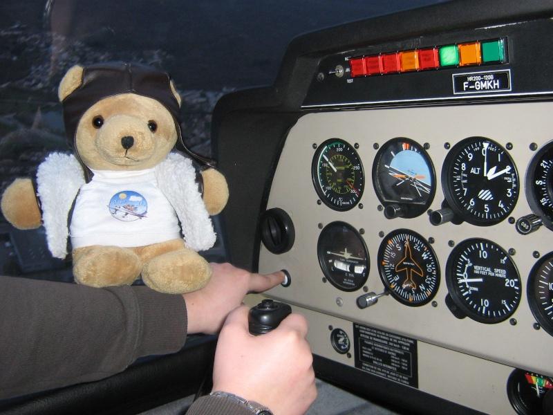 Les vols de la mascotte - Page 4 Img_0021