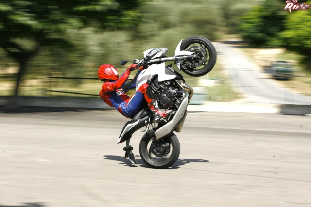 wheeling possible en cb1000r ?? C743e810