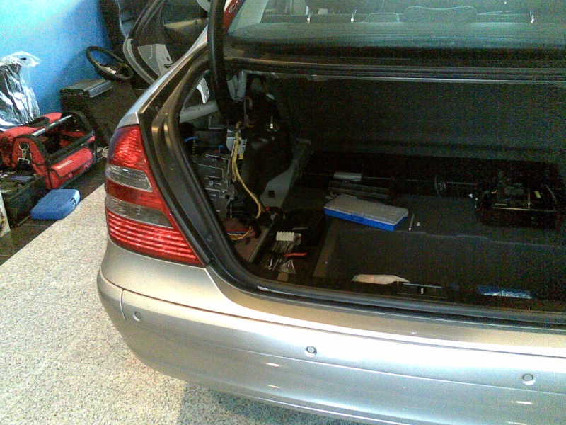 Mercedes Classe E CDI / Projecto 5.1 DTS, Dolby Pro-Logic II 21012021