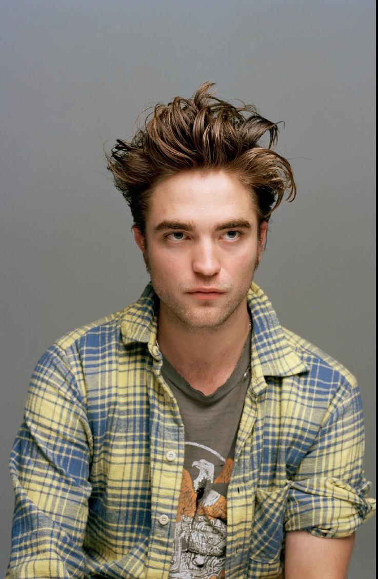 Robert Pattinson Bio 10010