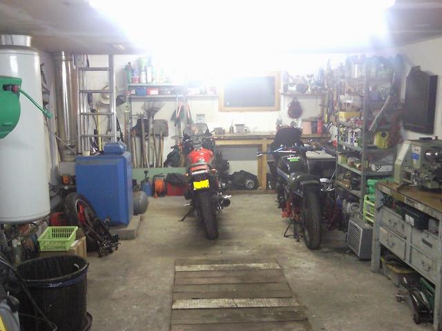 Photos de nos garages/ateliers - Page 13 Photo011
