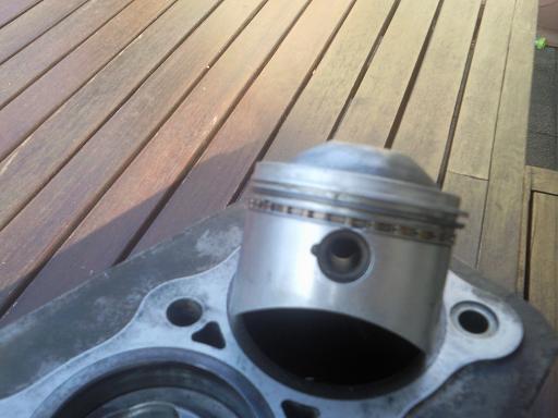 Quelqu'un connait ces pistons ?  Photo128