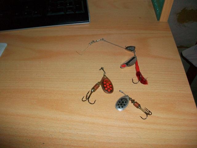 La riviére et ces articles de pêche ! 100_0912