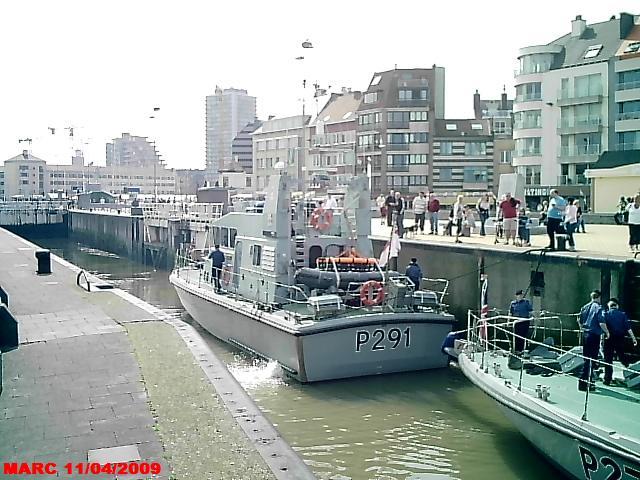 patrouilleurs de la Royal Navy en visite à Ostende 50400010
