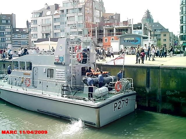 patrouilleurs de la Royal Navy en visite à Ostende 50400012