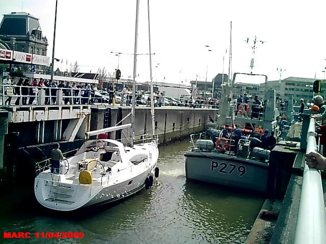 patrouilleurs de la Royal Navy en visite à Ostende 50400017
