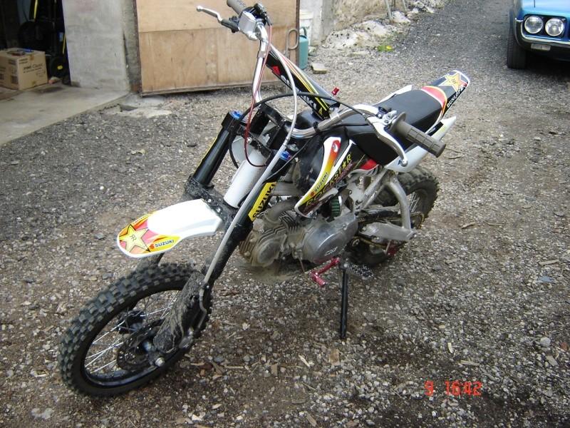 Photos de R15 & R 17 en arrière plan Moto_013