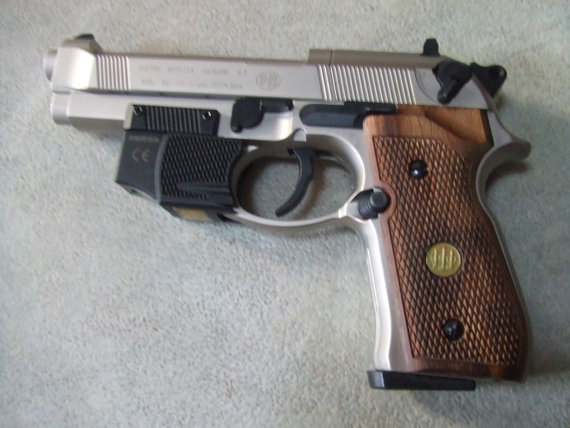 240 diana 4x32, beretta 92fs laser, p88 compétition, pistolet arbalette 80lbs Dscf4012