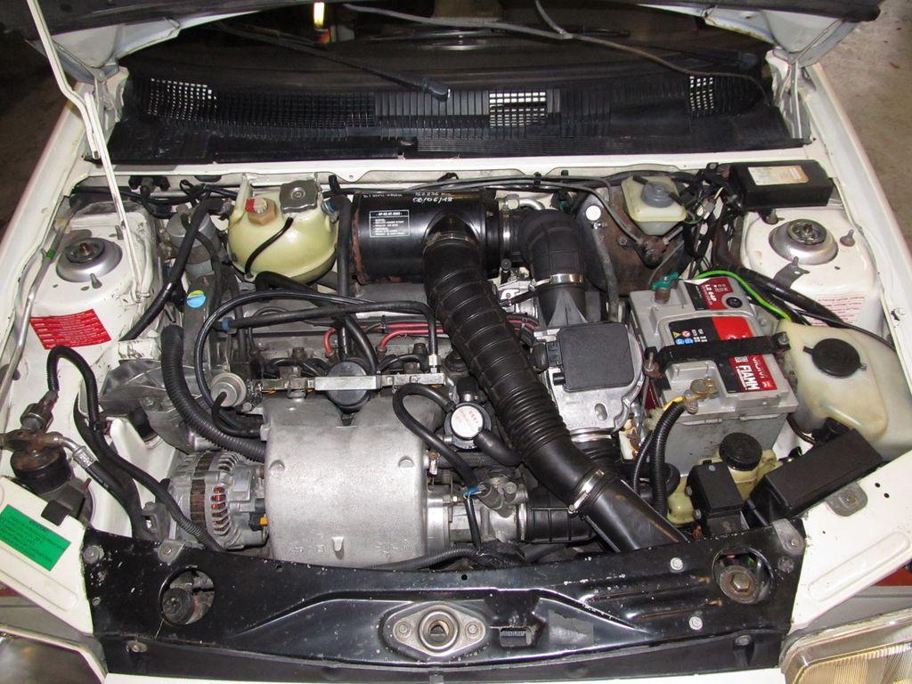 [73] 205 GTI 1L9 - 122cv - AM93 - Blanc Banquise Img_4827