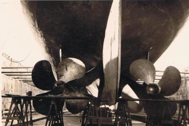 Les Escorteurs d'Escadre (EE) 01011