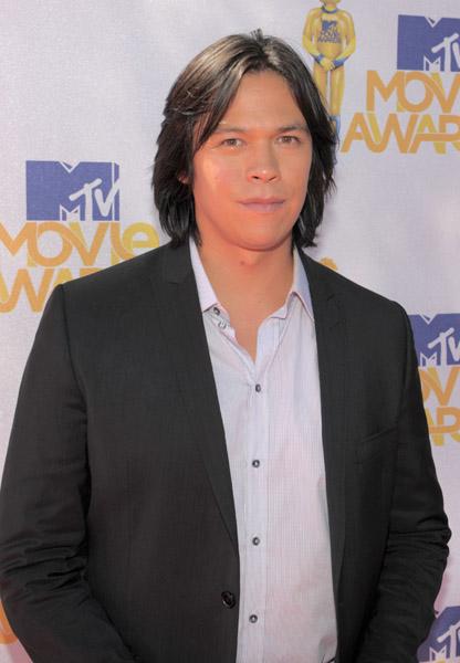 MTV  Movie Awards 2010 - Página 4 Chaske10
