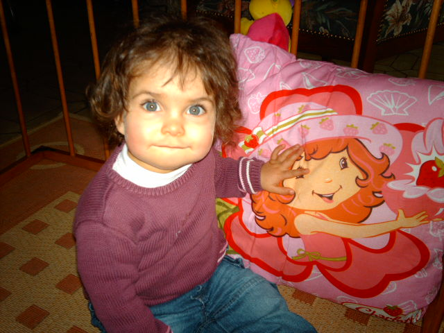 alyse et son coussin charlotte aux fraises Imag1110