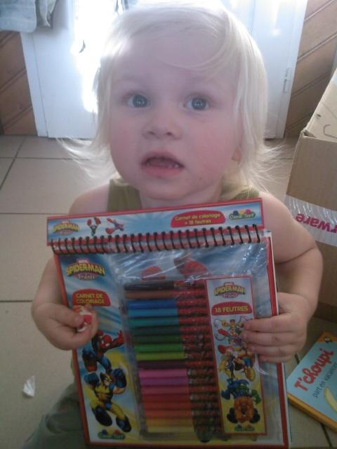 léony et son coloriage spiderman Photo068