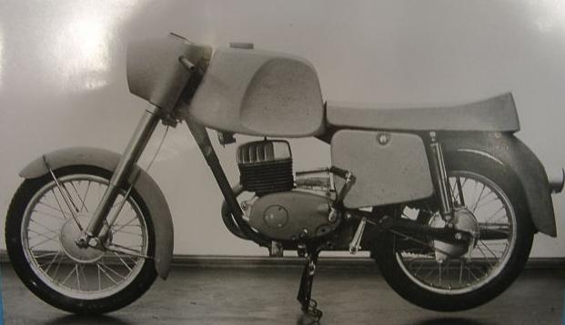 Modèles spéciaux, prototypes et motos de courses Proto_10
