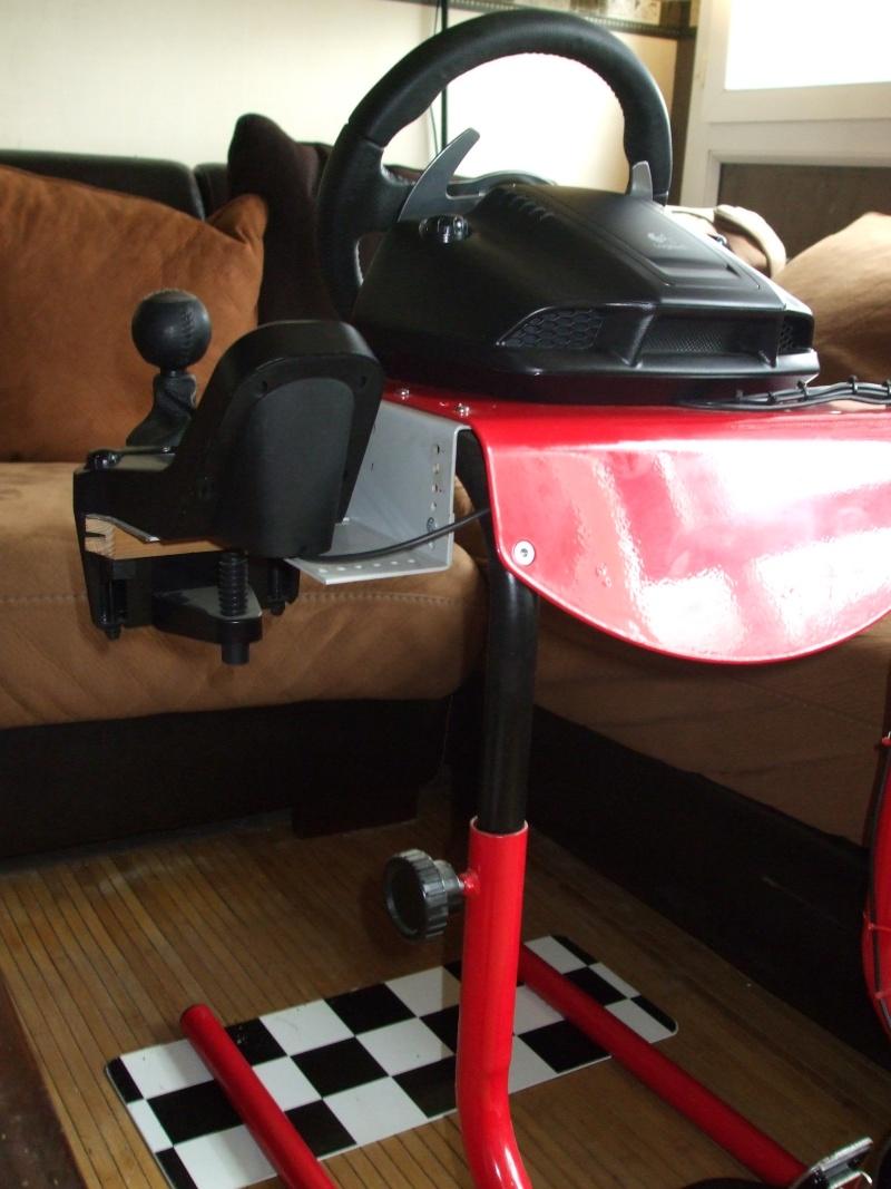 A vendre G25 avec support Race desk Dscf1510
