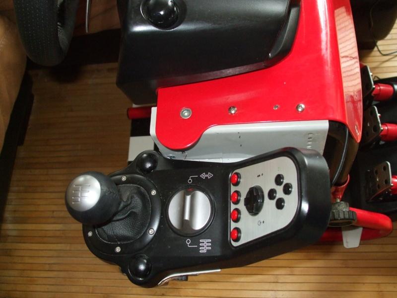 A vendre G25 avec support Race desk Dscf1514